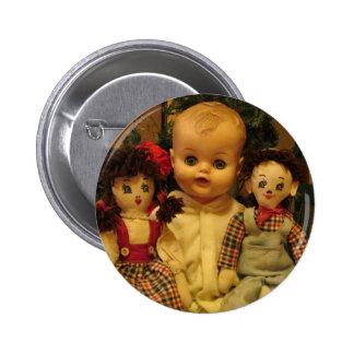 Tres muñecas viejas chapa redonda de 5 cm