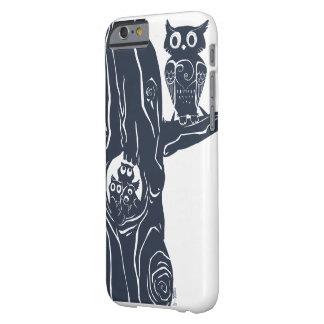 tres owlets en un árbol funda de iPhone 6 barely there