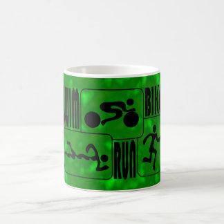 TRI diseño funcionado con de las casillas negras Taza Clásica