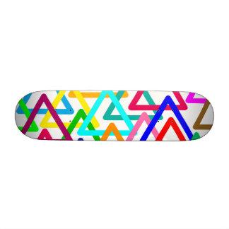Triángulo abstracto colorido, monopatín gráfico