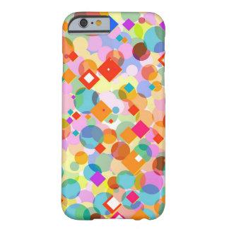 Triángulo y modelo de punto coloridos funda para iPhone 6 barely there