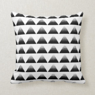 Triángulos del tono medio cojín decorativo