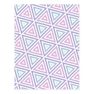 Triángulos en colores pastel inconsútiles postal