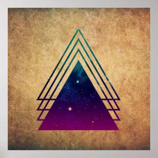 Triángulos frescos del espacio en fondo del Grunge Póster