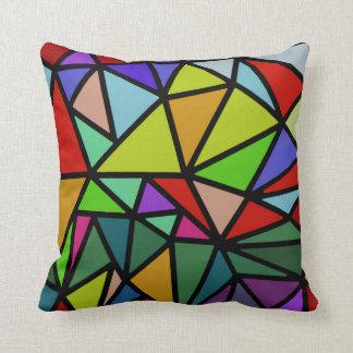 triángulos geométricos coloridos cojín