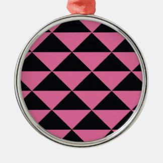 Triángulos rosados y negros adorno redondo plateado