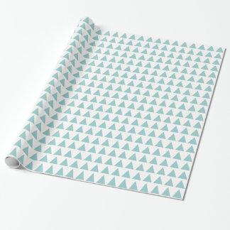 Triángulos - verde azul claro en blanco papel de regalo
