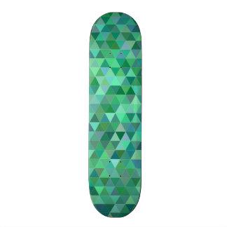 Triángulos verdes en colores pastel monopatín 21,6 cm