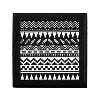 Tribal azteca blanco y negro joyero