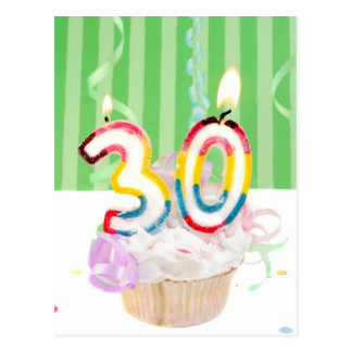 trigésima magdalena del cumpleaños con las velas postal