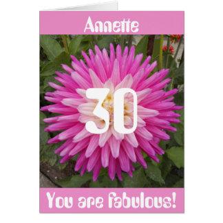 Trigésimo cumpleaños personalizado flor rosada tarjeta de felicitación