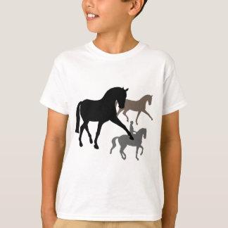 Trío de los caballos del Dressage Camisas