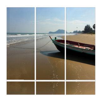 Tríptico abandonado de la playa