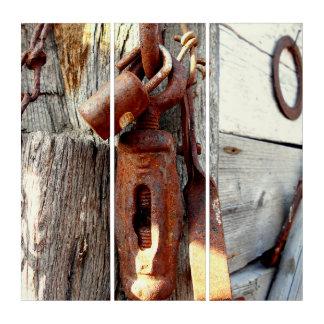Tríptico Cadena y herramientas viejas oxidadas