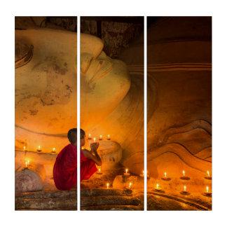 Tríptico Monje que ruega por un Buda