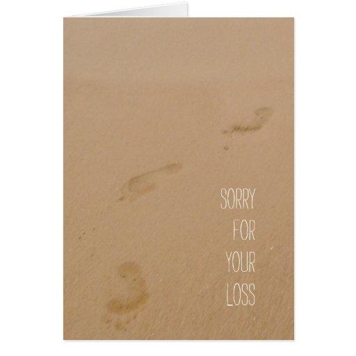 Triste para sus huellas de la pérdida en arena tarjetas