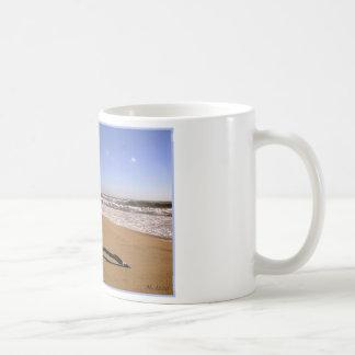 Trituradores de Playa del Rey - Mike Izzo Taza Básica Blanca