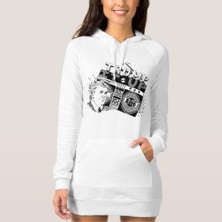 TRIUNFO de Boombox ÉL ENCIMA del vestido de la Camisetas