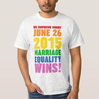 Triunfos de la igualdad de la boda camiseta