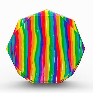Trofeo Acrílico Arco iris pintados