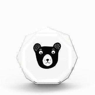 Trofeo Acrílico Ilustracion blanco y negro lindo del oso