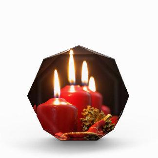 Trofeo Acrílico Las velas rojas de un advenimiento enrruellan con