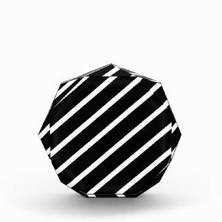 Trofeo Acrílico Modelo geométrico abstracto - blanco y negro.