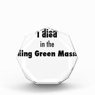 Trofeo Acrílico Morí en la masacre de Bowling Green