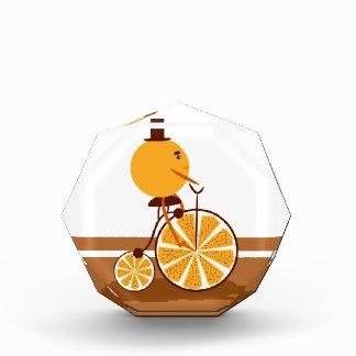 Trofeo Acrílico Paseo anaranjado