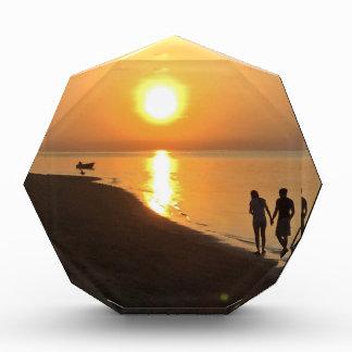 Trofeo Acrílico Paseo de la mañana en la playa