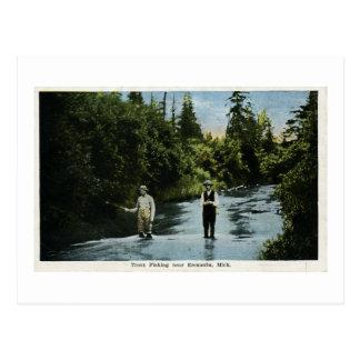 Trucha que pesca cerca de Escanaba, vintage de Postal