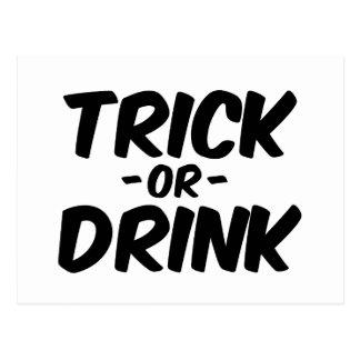 Truco o bebida Halloween divertido Postal