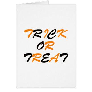Truco o naranja y negro de la invitación tarjeta de felicitación