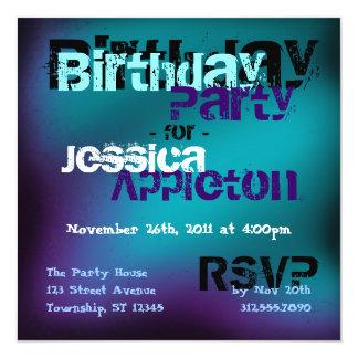 Trullo abstracto de moda y invitaciones violetas invitación 13,3 cm x 13,3cm