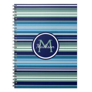 Trullo de los azules marinos y nombre blanco del cuaderno