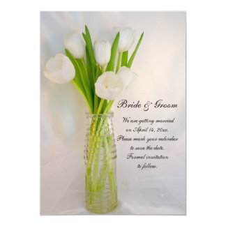 Tulipán blanco en reserva del boda de la primavera invitación 12,7 x 17,8 cm