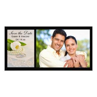Tulipán blanco, perlas, anillos casando reserva la tarjeta