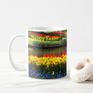Tulipán feliz de Pascua, narciso, taza de café del