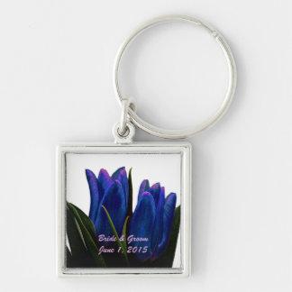 Tulipanes azules que casan llavero
