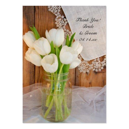 Tulipanes blancos rústicos en etiqueta del favor d plantillas de tarjetas de visita