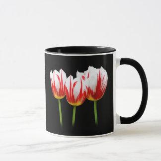 Tulipanes elegantes de la hoja de arce taza