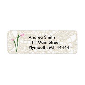 Tulipanes y etiqueta de dirección rosados del