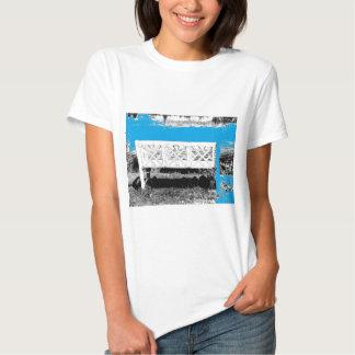 Turquesa con el banco camisetas
