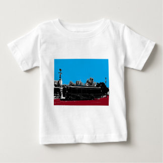 Turquesa y rojo con tinta negra camisetas