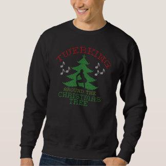 Twerkin alrededor del suéter del árbol de navidad