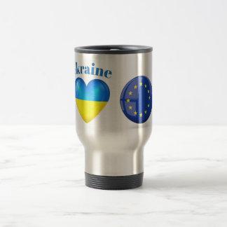 Ucrania es corazón de la taza del viaje de la