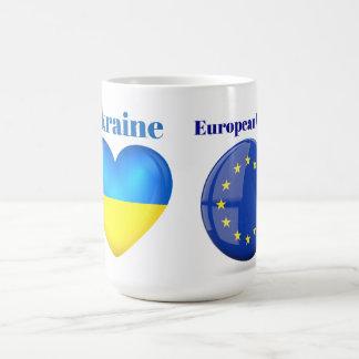 Ucrania es corazón de la taza Morphing de la