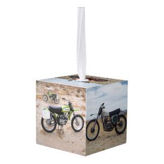 Último ornamento del navidad de la motocicleta del