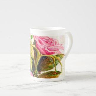 Últimos rosas de la primavera taza de té