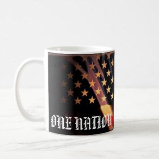 Un 4to patriótico de la nación de la taza de la